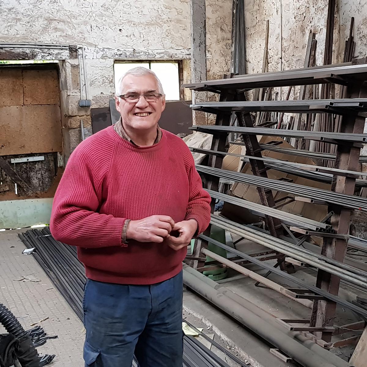 Christian mercier fabrique houe grelinette bio bêche